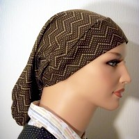 brown print snood zigzag