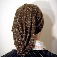 brown print snood zigzag