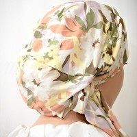 Moriya Snood Cream Floral Knit 04