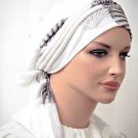 Moriya Snood White Shells Rayon Knit 02