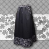 Black Swirls Border Print Pocket Skirt 02